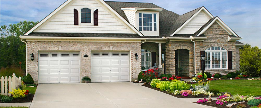 Clic Collection Value Plus Series Insulated Garage Doors